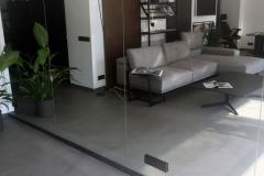 mikrocement na podłodze